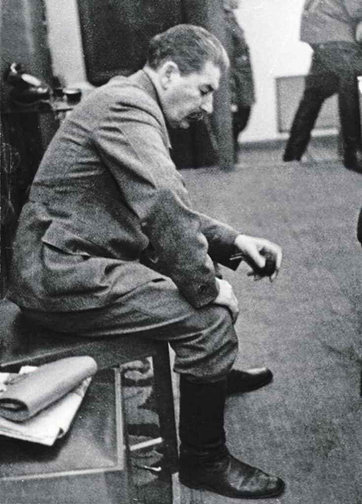 Stalin as the Nazis Take Kiev