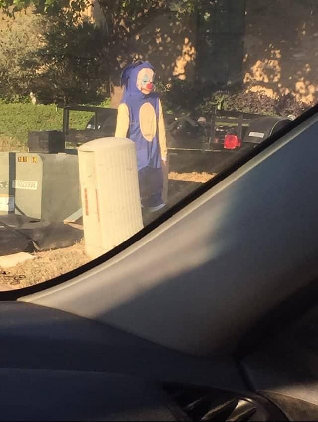 Clown/Sonic by a car