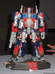 Optimus Prime – Botcon Door Prize