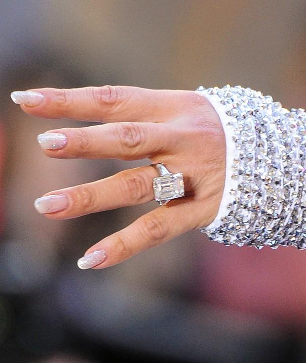 Jennifer Lopez's Engagement Ring from Alex Rodriguez