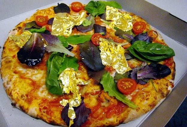 """""""Gold Leaf"""" Pizza"""
